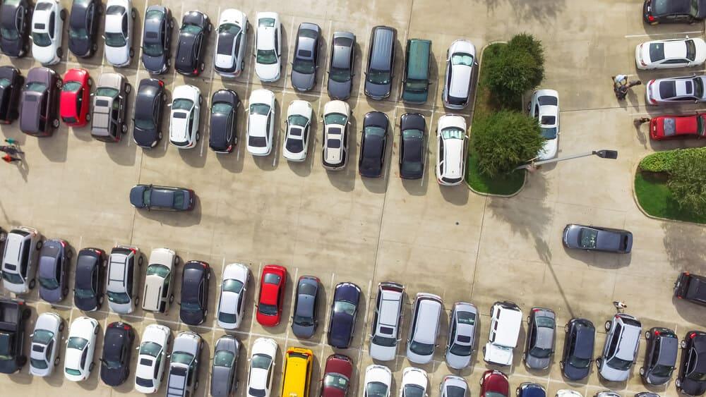 Otkriveni parking na aerodromu